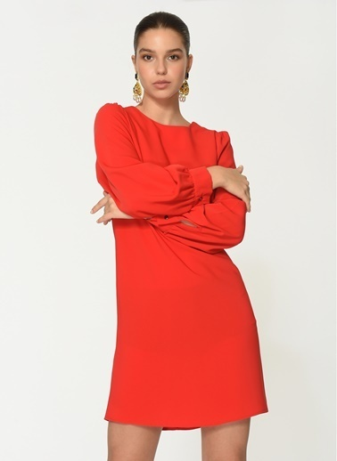 Loves You A Form Manşetli Şifon Elbise Kırmızı